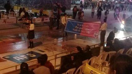 Jujuy: una virgen y un estandarte antiderechos abrieron los desfiles de la FNE