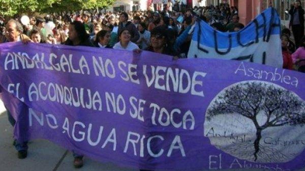 Andalgalá: denuncia penal contra autoridades por aprobar la explotación de Agua Rica